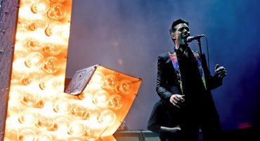 Fans de The Killers se pierden parte del concierto por problemas en los baños
