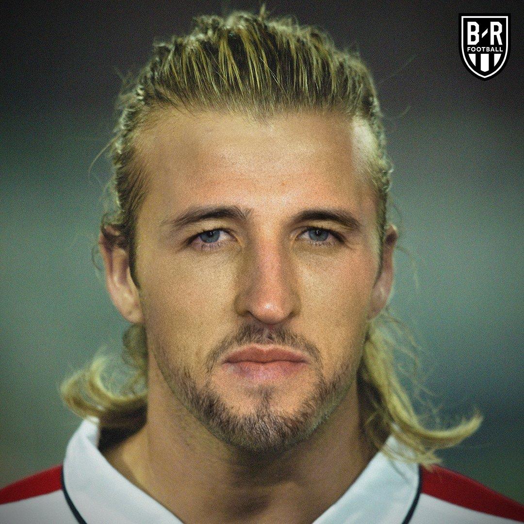 Futbolistas actuales y leyendas unidos en fotos
