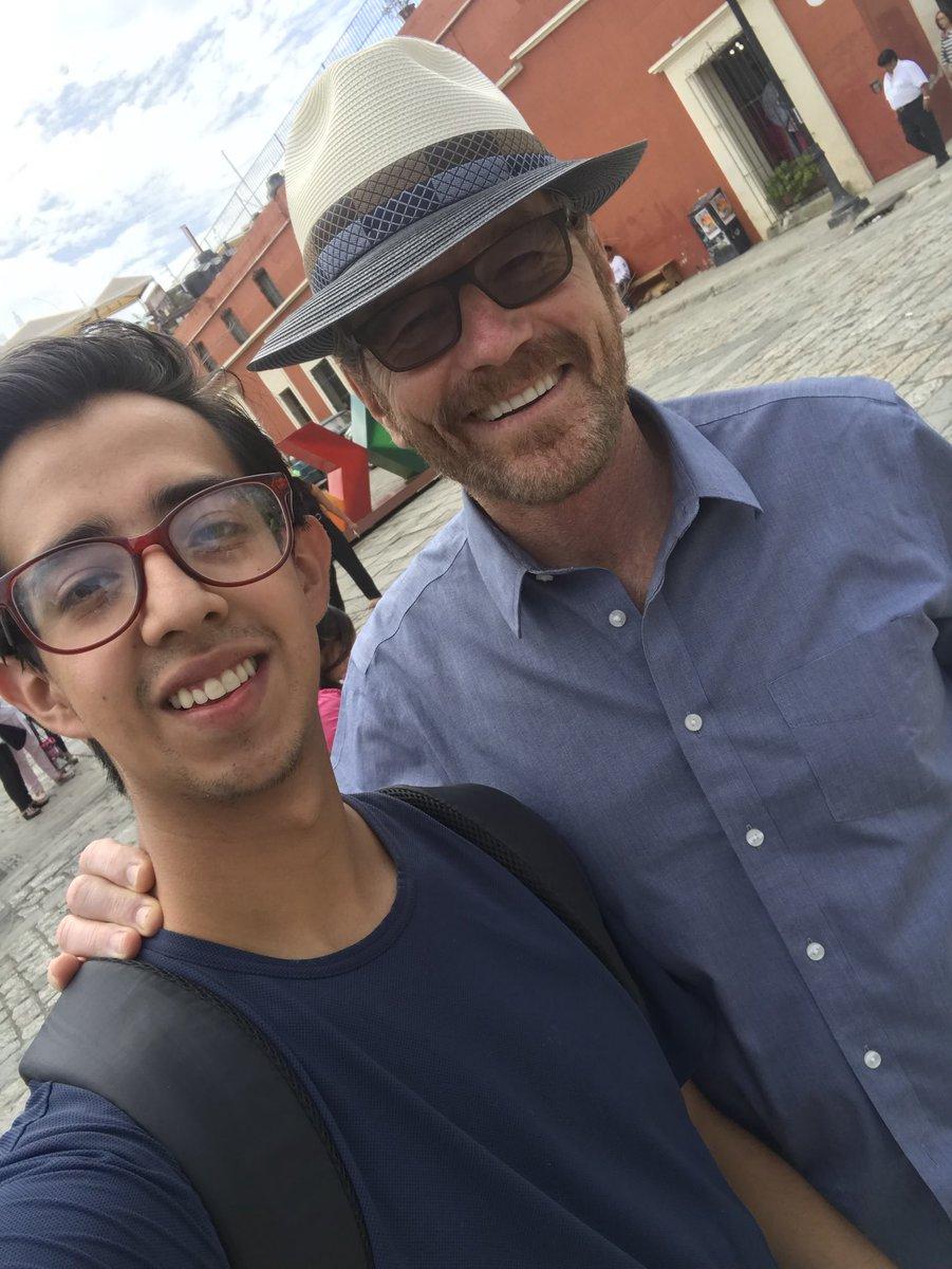 ¡Bryan Cranston y Aaron Paul de Breaking están en Oaxaca!
