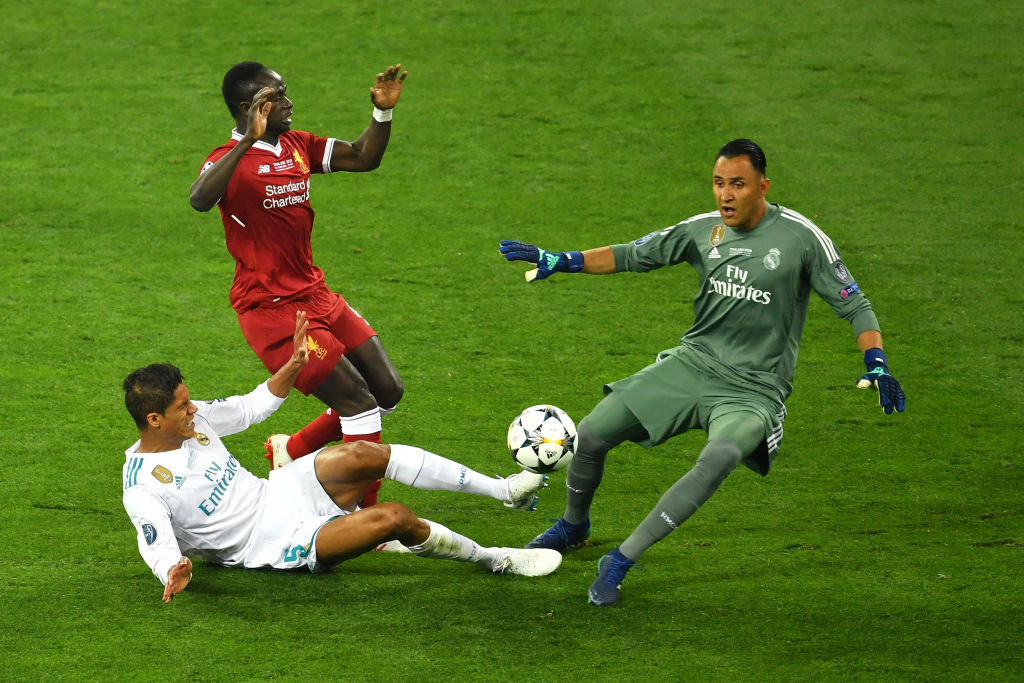 Raphael Varane consiguió el doblete Champions-Mundial