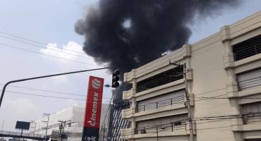 Se reporta incendio en Galerías Coapa; se desconocen las causas