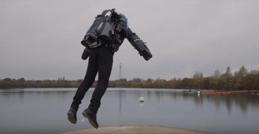 ¡Wow! Este traje te permite volar como Iron Man