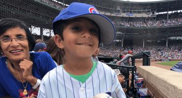 ¡Final feliz! Le roban una bola y los Cubs le regalan otra autografiada