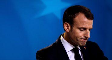 ¡El caos! Un colaborador de Macron golpeó a un manifestante en París