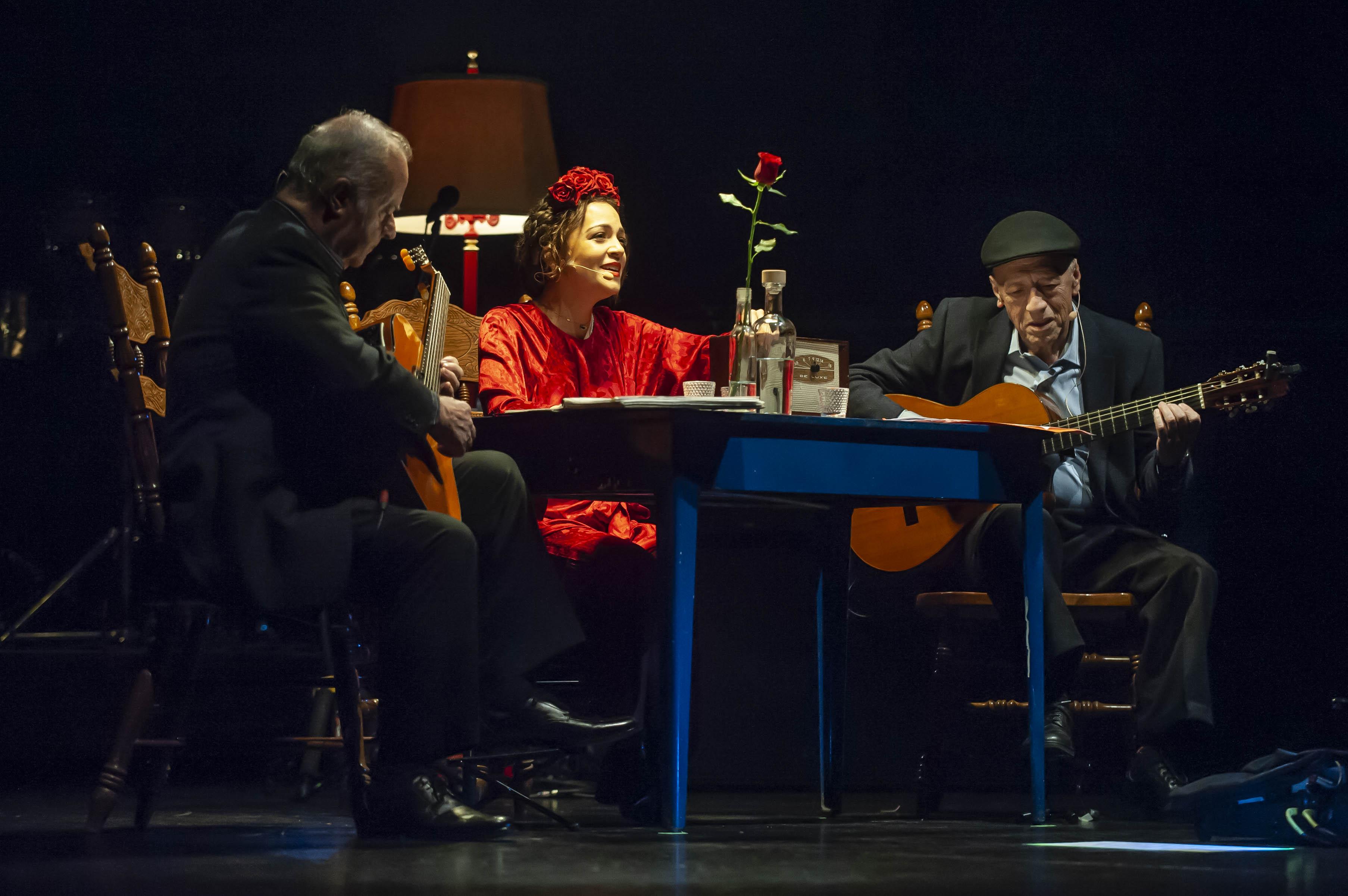 "Mira a Natalia Lafourcade, Mon Laferte y Silvana Estrada cantar ""La Llorona"""