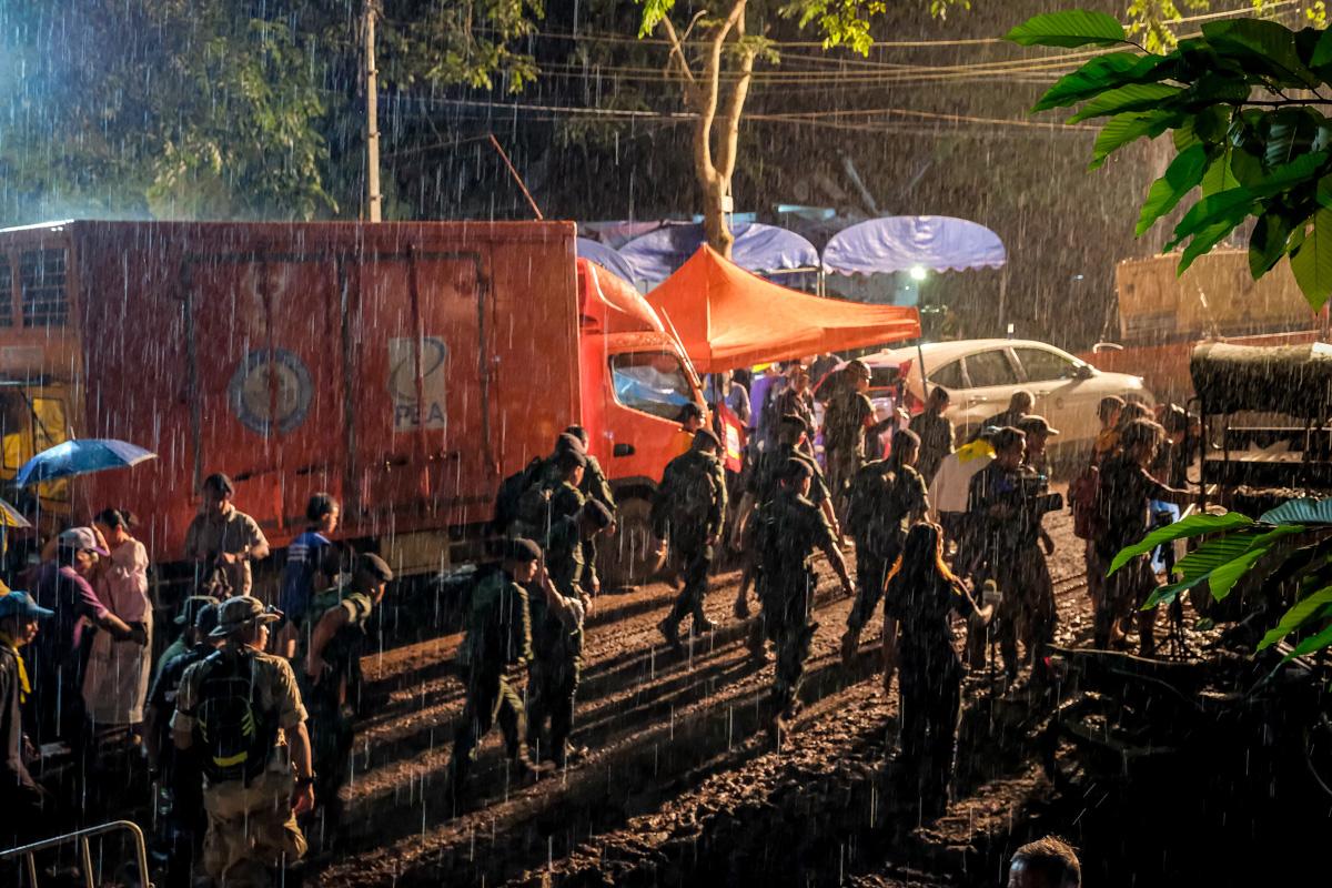 Niños Atrapados en Cuevas de Tailandia