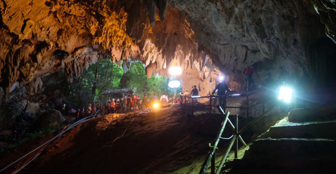 Operaciones para rescatar a los niños atrapados en cuevas de tailandia