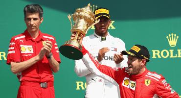 Vettel se llevó el GP Británico tras una intensa batalla con Mercedes