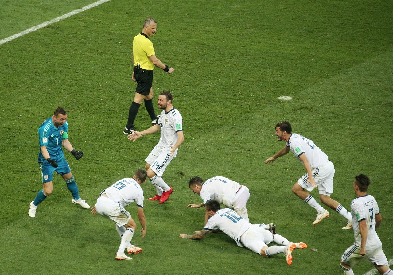 Rusia avanza nuevamente a Octavos de Final desde México Mundial 1970