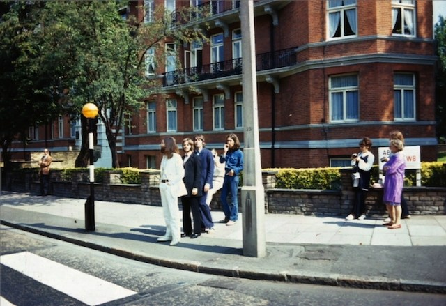 Paul McCartney recrea portada del Abbey Road… 49 años después