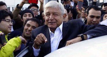 AMLO analiza el tema de su seguridad, reitera que no utilizará a Estado Mayor Presidencial