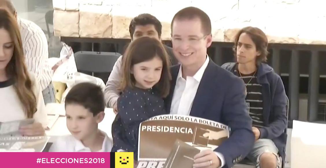 Ricardo Anaya votando