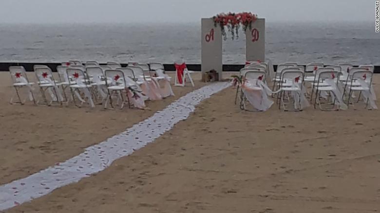Una extraña salvó la boda en ruinas de una novia