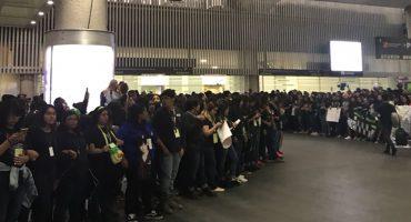 La hora sad: Fanáticos devastados por no ver a GOT7 en el aeropuerto de la CDMX