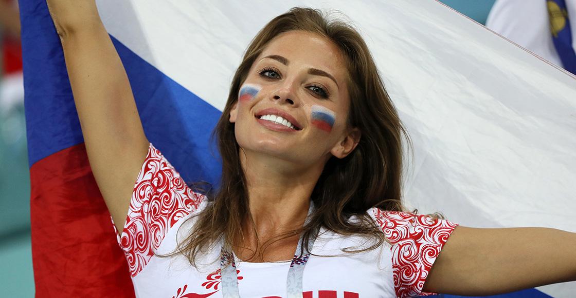 """La FIFA pide a televisoras que dejen de enfocar """"Mujeres guapas"""" durante partidos"""