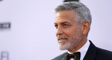 Hospitalizan a George Clooney tras un accidente en motoneta