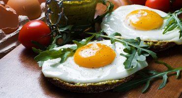 ¡Te engañaron! El huevo no eleva tu colesterol