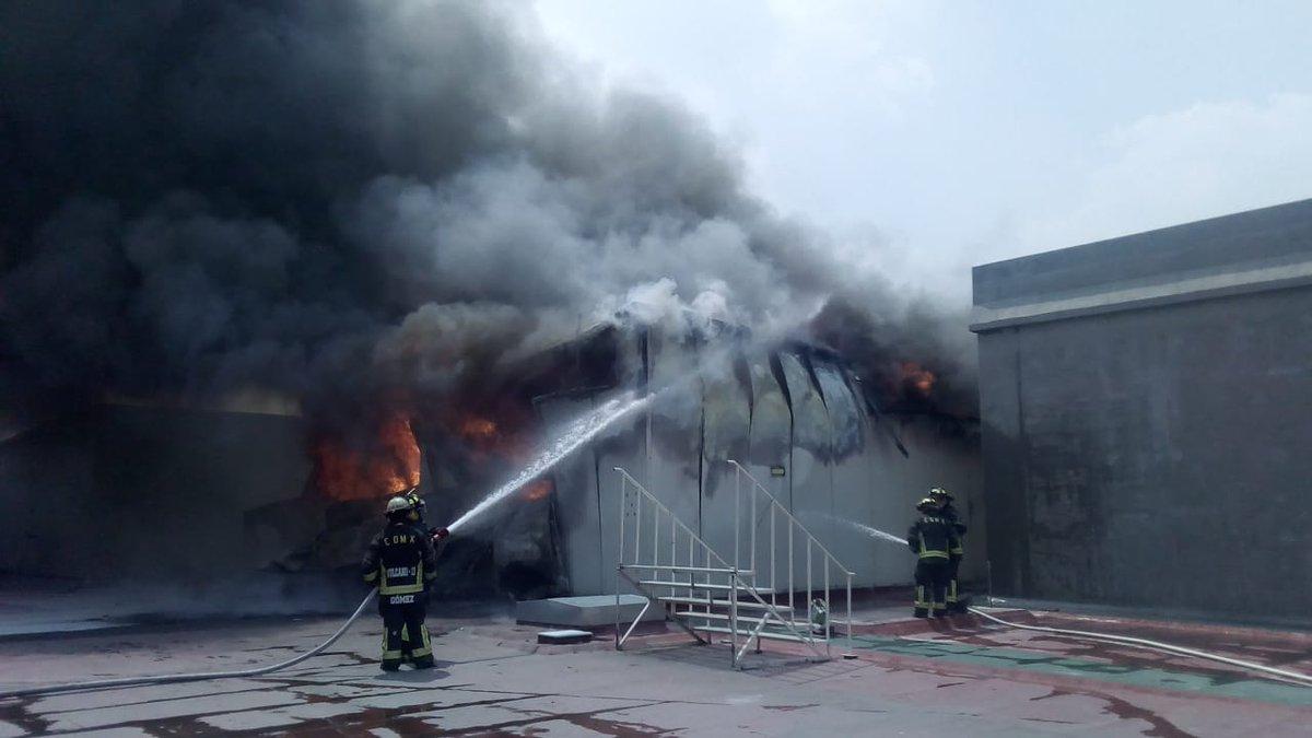 incendio-galerias-coapa-1