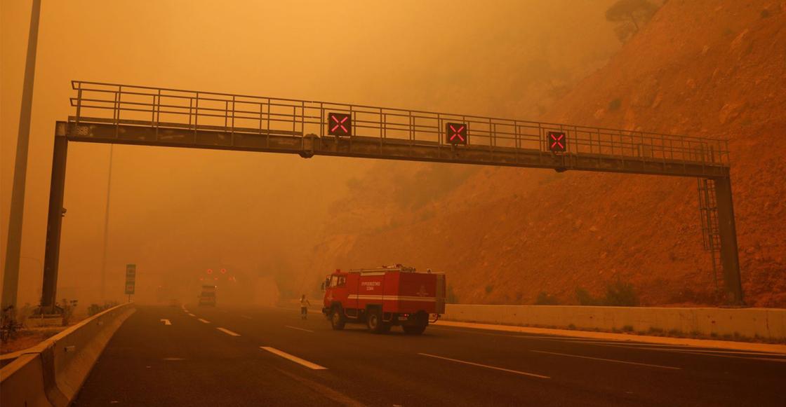 Al menos 60 muertos en feroces incendios forestales en Grecia