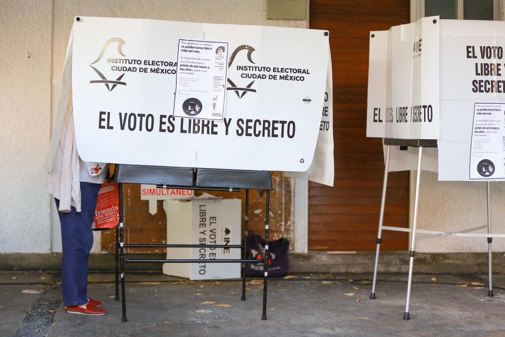 Busca 4T norma para regular organización de elecciones, el INE acusa violación de atribuciones