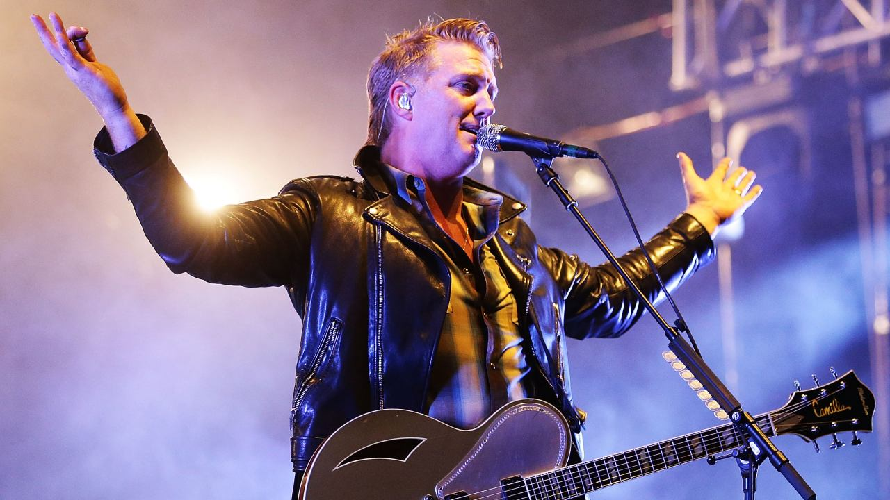 Josh Homme de Queens of The Stone Age se peleó con la seguridad del Mad Cool 2018