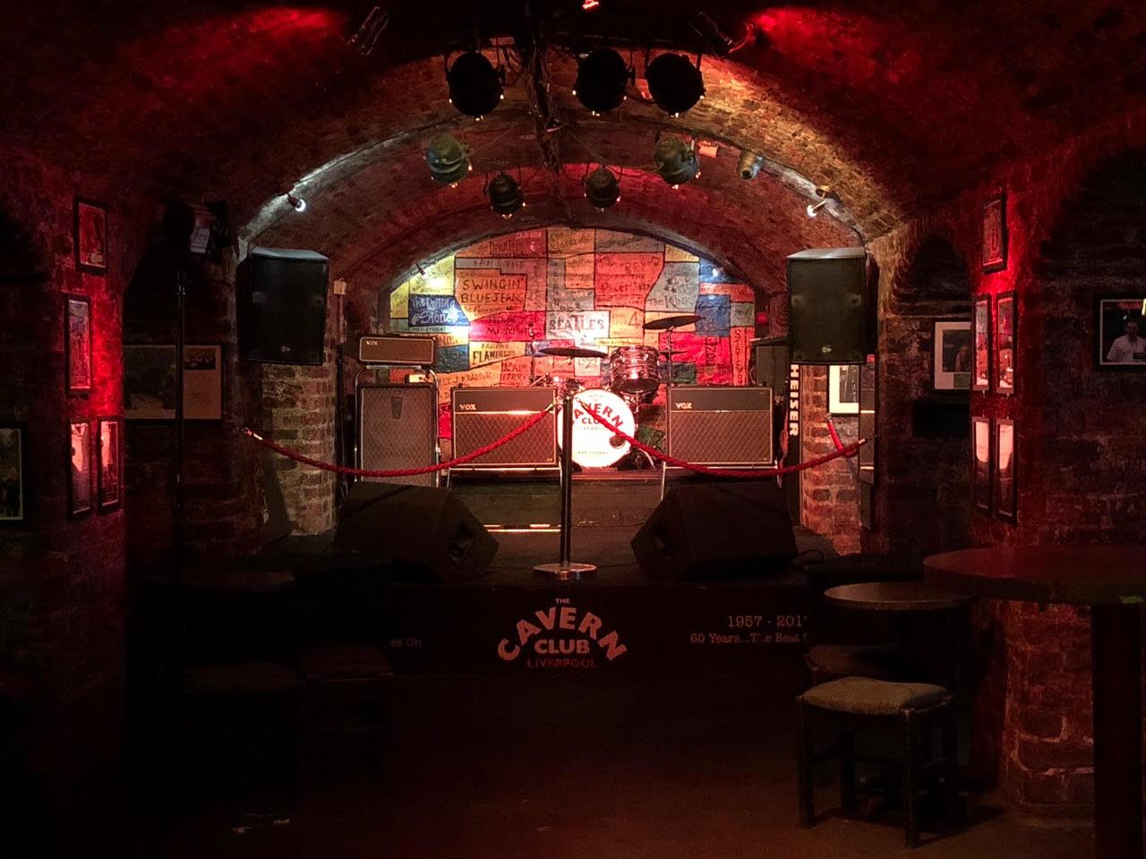 """""""Yo seguiría tocando pero no si estás grabando"""": Paul McCartney en The Cavern"""