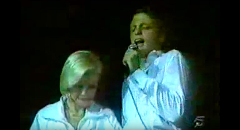 Capítulo 11: La última vez que Luis Miguel le cantó a su mamá en un escenario