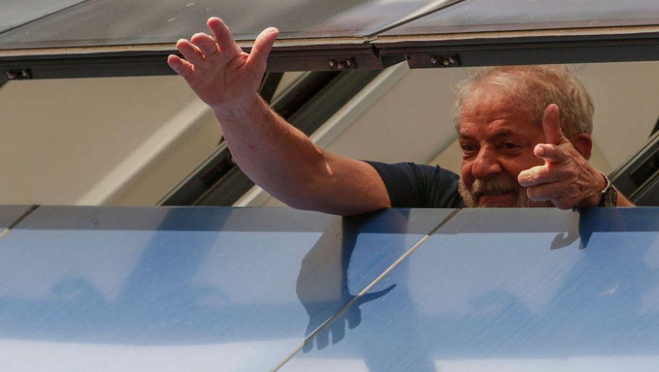 Intento de liberar a Lula caldea política de Brasil