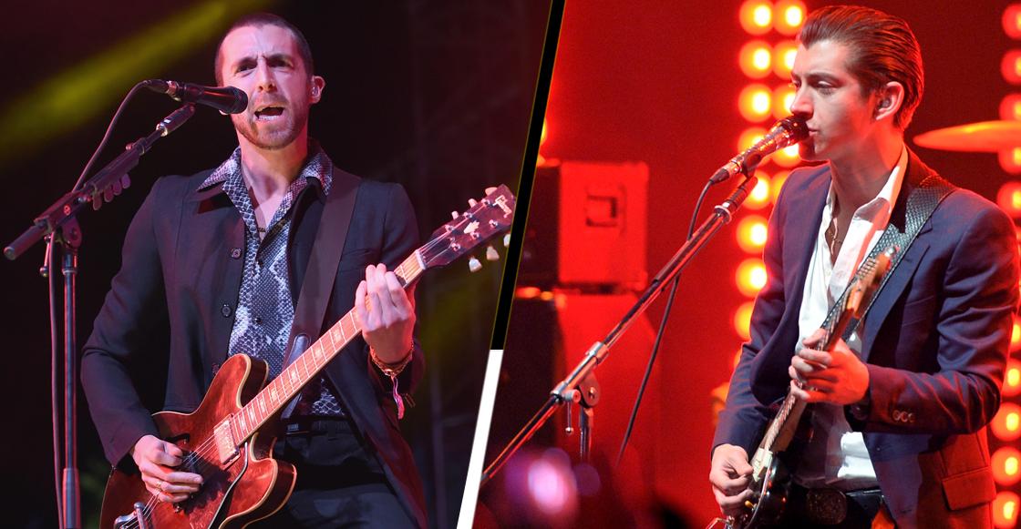 Mira a Miles Kane y Arctic Monkeys tocar