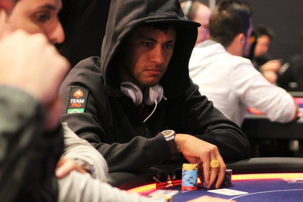 Neymar ganó más de 20 mil dólares en un torneo de póker