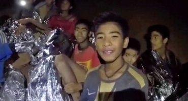 Niños atrapados en cueva de Tailandia piden comida a sus padres a través de cartas