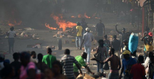 Protestas en Haití por aumento en gasolinas