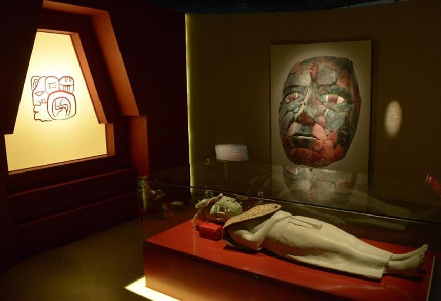 La Serpiente Emplumada llegó a tierra Azteca