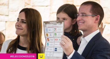 Ricardo Anaya esperó hora y media para votar en Querétaro