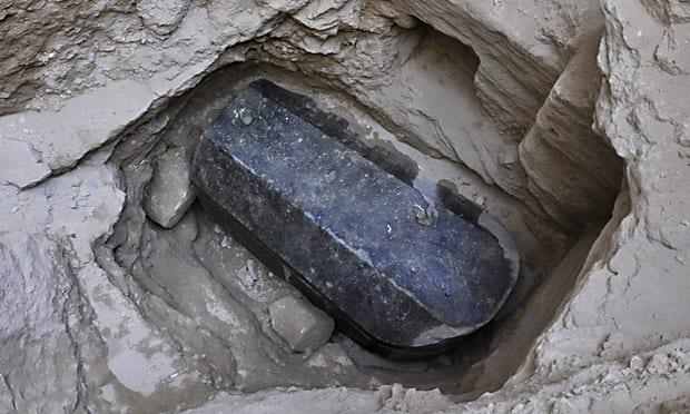 Sarcófago descubierto en Alejandría, Egipto