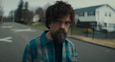 Checa el misterioso tráiler de 'I Think We're Alone Now' con Peter Dinklage