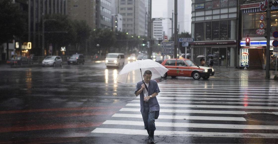 Así se preparan los habitantes de Japón ante la llegada del tifón 'Jongdari'