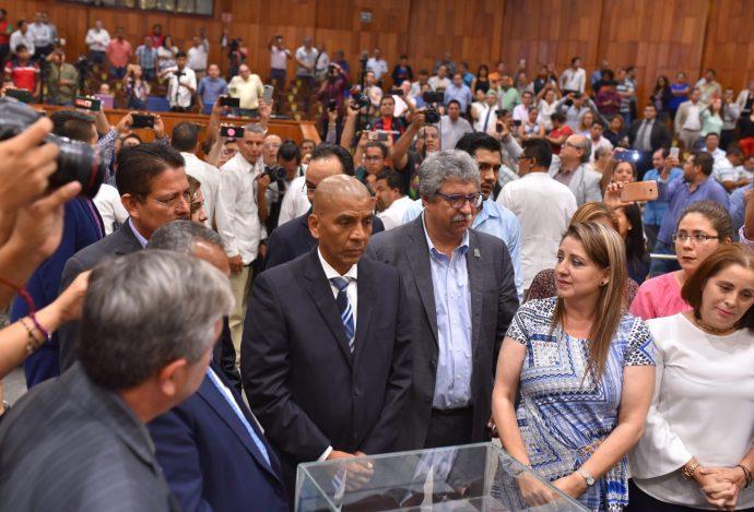 Torres Zamudio toma protesta al cargo de fiscal anticorrupcion de Veracruz
