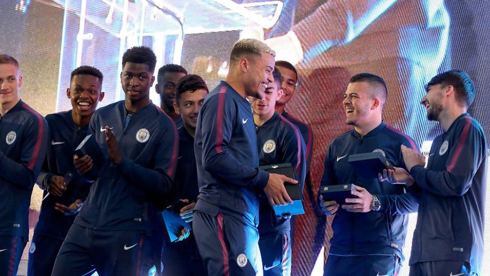 """Negro, grande y rápido: Así es el escándalo de la """"barbacoa"""" del Manchester City"""