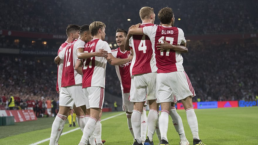 ¡Bye Ochoa! Ajax goleó al Standard Lieja y los deja sin Champions League