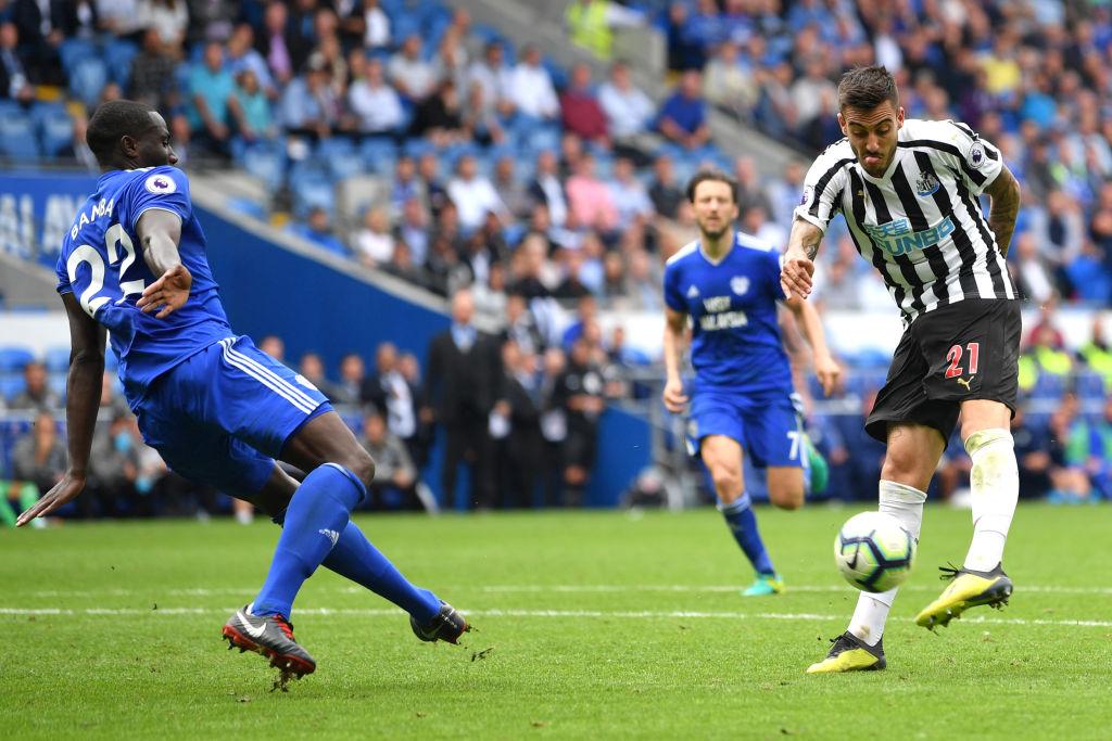 Cardiff y Newcastle reparten puntos en arranque sabatino de Premier League