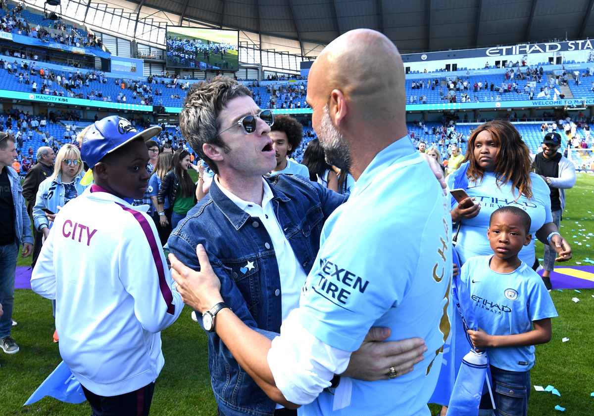 Noel Gallagher con Pep Guardiola y el Manchester City