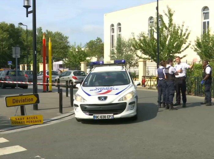 Ataque con cuchillo en Trappes, Francia