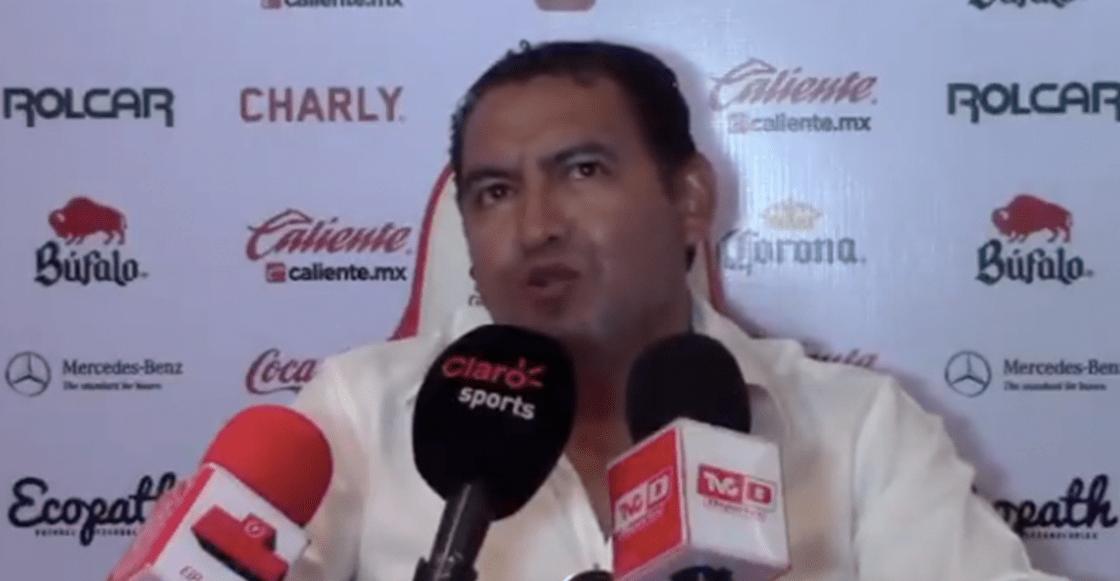 Alista disculpa pública el DT de Monarcas tras comentario misógino