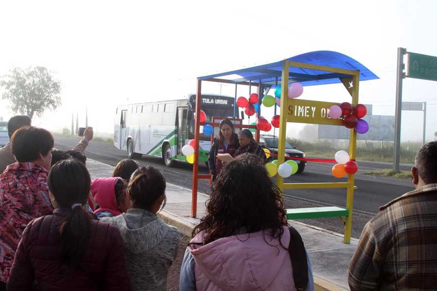 Diputada de Hidalgo le pone su nombre a un paradero de transporte público
