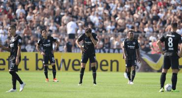 Frankfurt y Carlos Salcedo, eliminados de la Copa de Alemania por equipo de Cuarta División