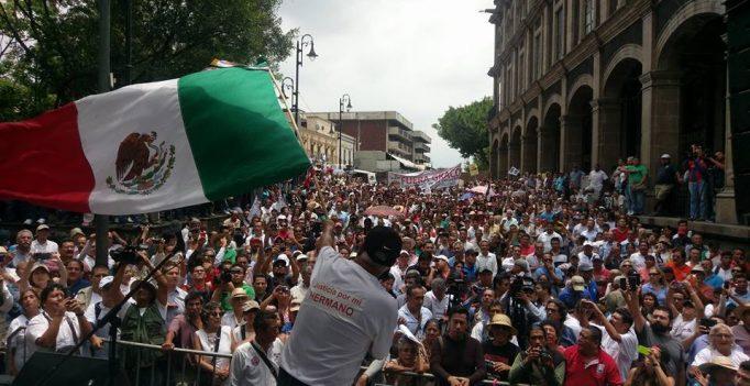 Marcha de 2016 en Morelos, exigiendo salida de Graco