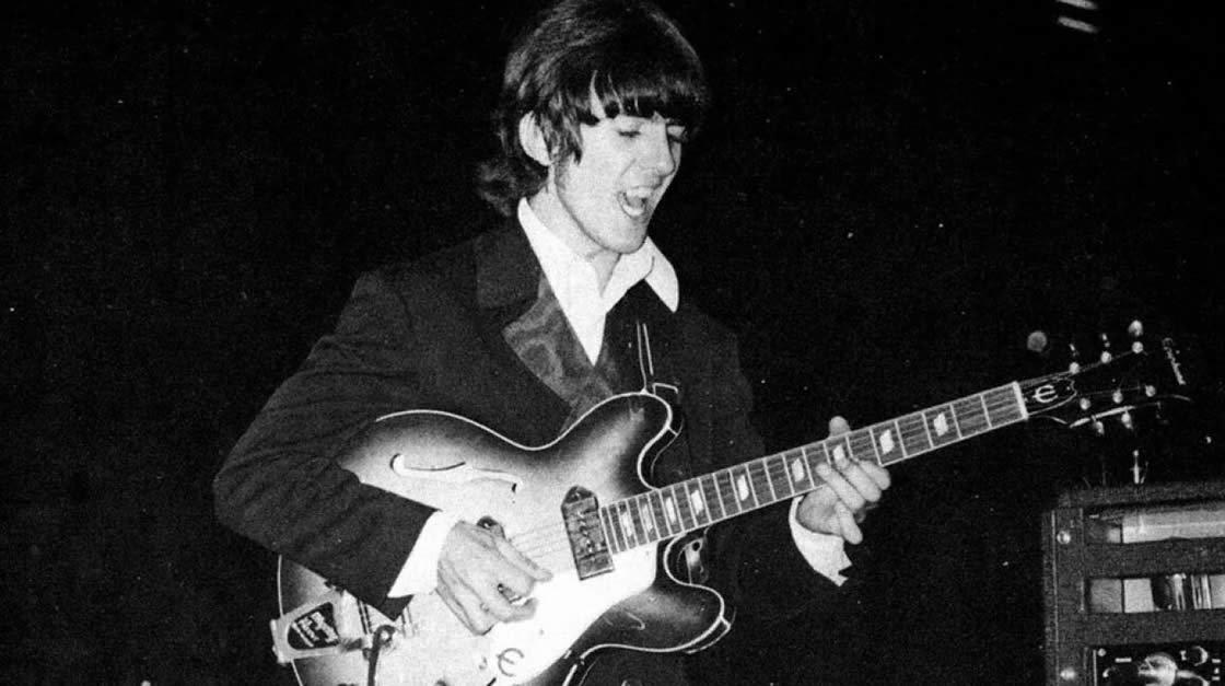 Subastarán una antigua guitarra de George Harrison