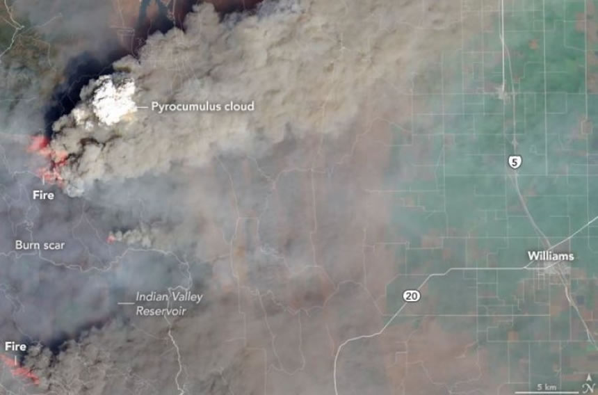 Muere un bombero mientras intentaba extinguir el fuego en California