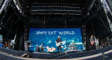 If you're listening: ¡Tenemos vinilos y M&G's con Jimmy Eat World!